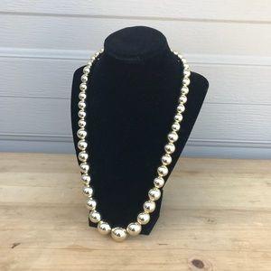 EUC vintage graduated gold tone ball necklace